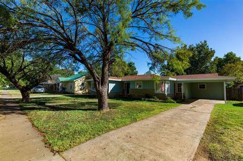 Photo of 1204 E Wells Street, Stamford, TX 79553 (MLS # 14691994)