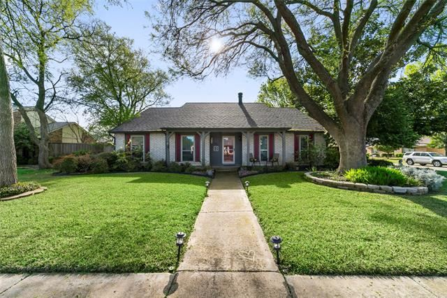 Photo for 7916 Hook Drive, Plano, TX 75025 (MLS # 14310998)