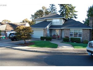 Photo of 11818 SE GRAND VISTA DR, Clackamas, OR 97015 (MLS # 18204162)