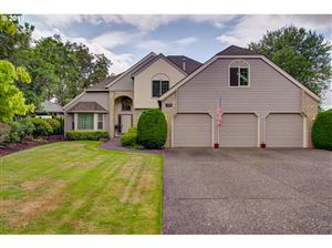 Photo of 1816 BARNES CIR, West Linn, OR 97068 (MLS # 19546342)