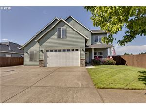 Photo of 1724 SE 10TH AVE, Canby, OR 97013 (MLS # 19510456)