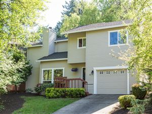 Photo of 4 THE GROTTO, Lake Oswego, OR 97035 (MLS # 19193636)