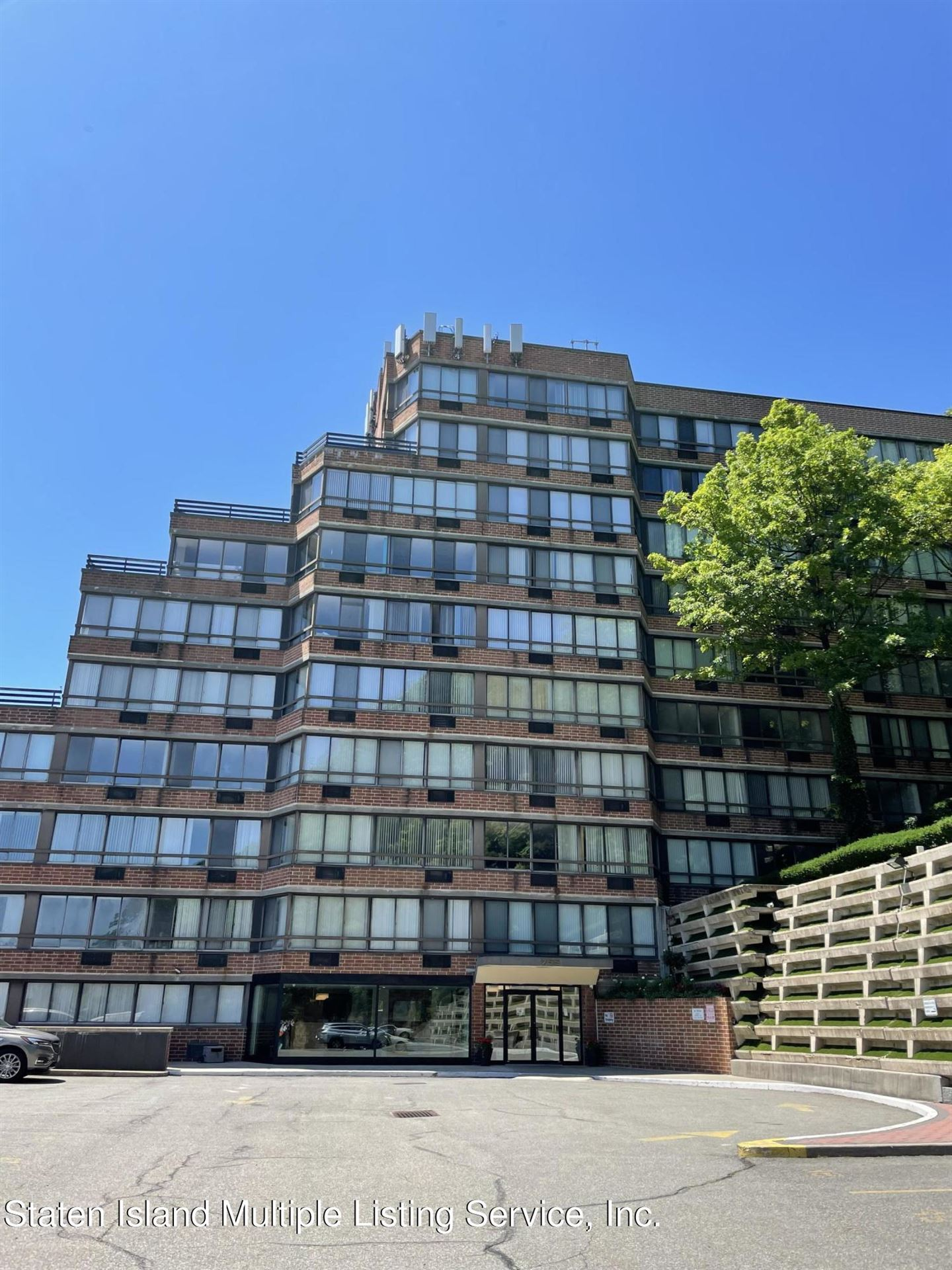 Photo for 755 Narrows 702a N Road #702a, Staten Island, NY 10304 (MLS # 1147092)