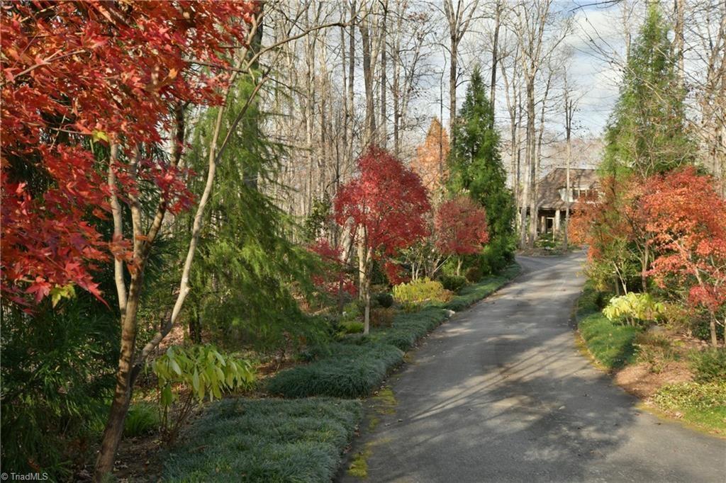 Photo of 1031 Red Coat Road, Yadkinville, NC 27055 (MLS # 005034)