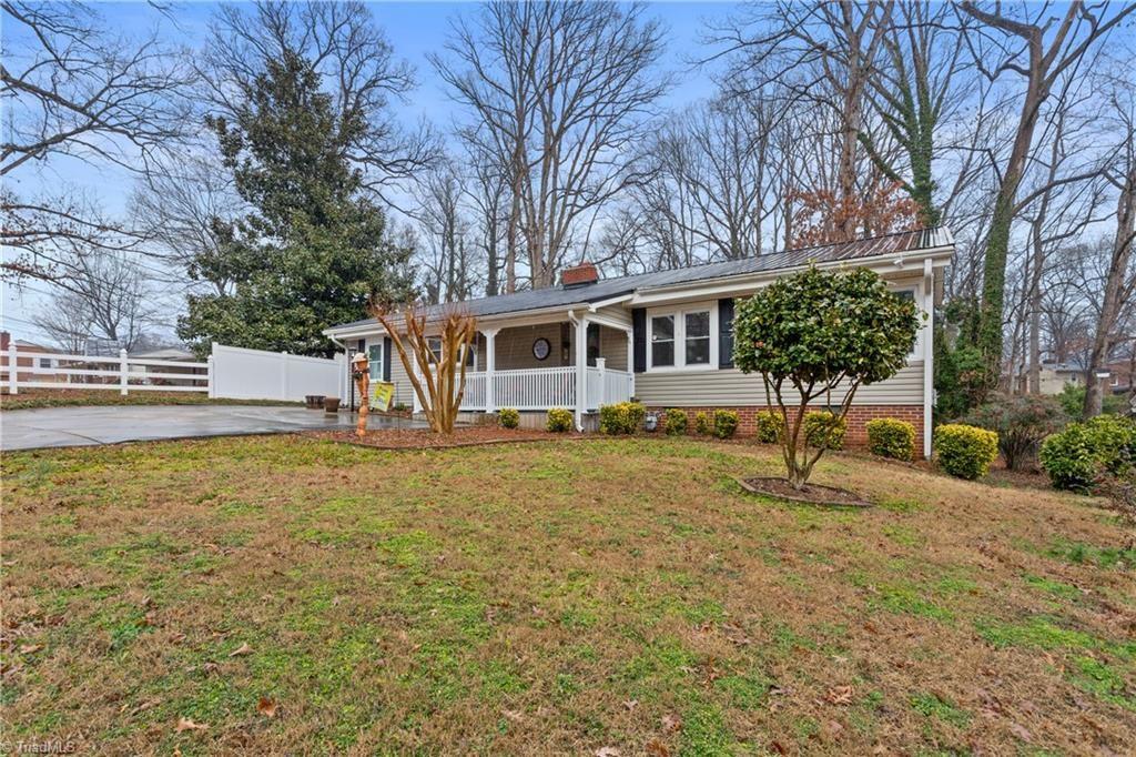 Photo of 203 Hillside Drive, Lexington, NC 27295 (MLS # 1013320)
