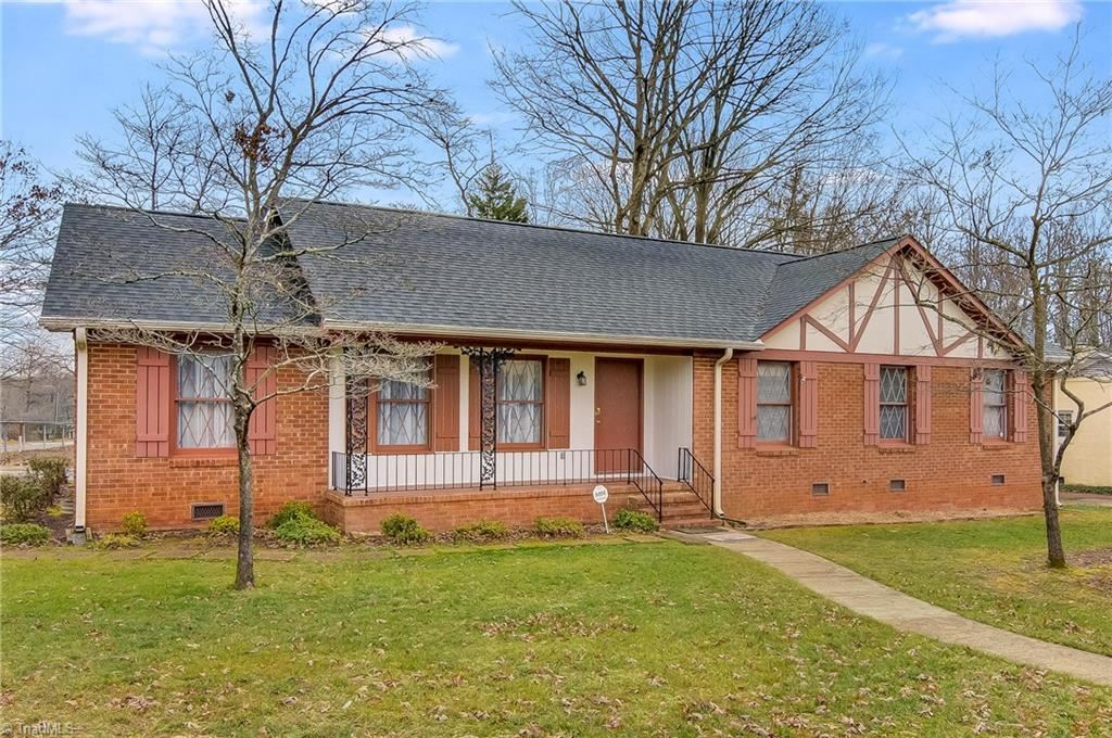 Photo of 4312 Lake Jeanette Road, Greensboro, NC 27455 (MLS # 1008458)