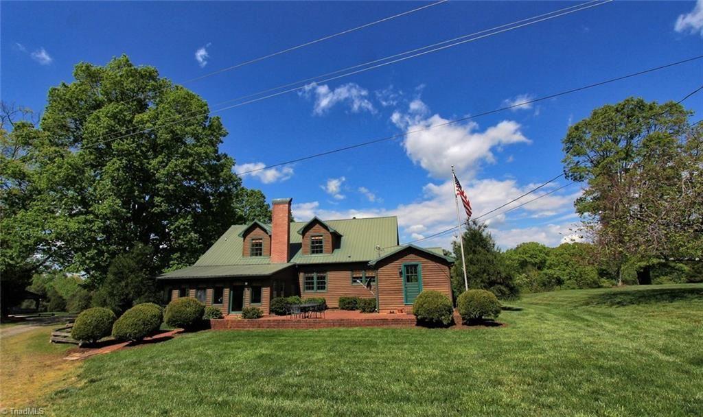 Photo of 2173 Old Wilkesboro Road, Statesville, NC 28625 (MLS # 1010644)