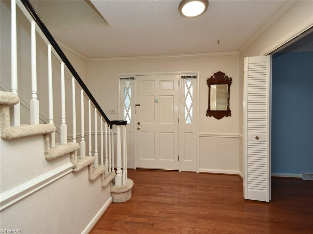 Photo of 1016 Shalimar Drive, High Point, NC 27262 (MLS # 1008665)