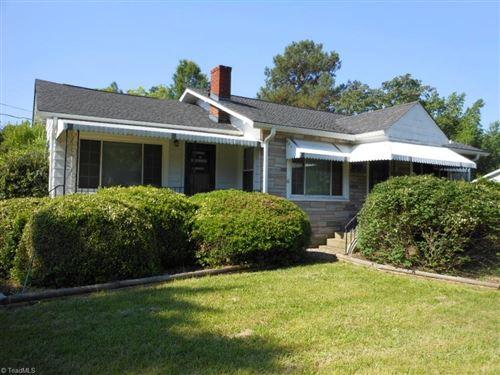 Photo of 811 Carolina Avenue, Thomasville, NC 27360 (MLS # 979677)