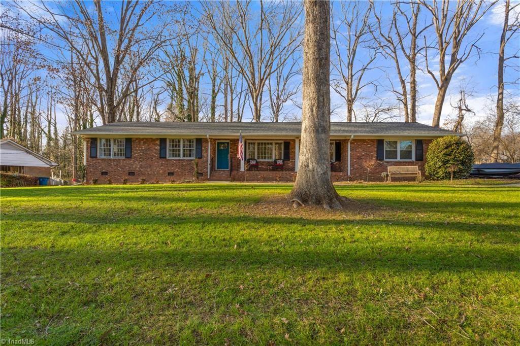 Photo of 202 Buttercup Drive, Jamestown, NC 27282 (MLS # 1007876)