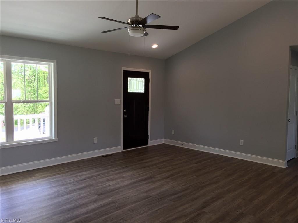 Photo of 111 Sawgrass Lane, Lexington, NC 27295 (MLS # 1012908)