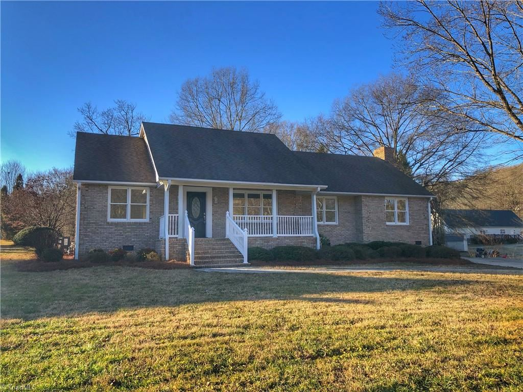 Photo of 504 N 10th Avenue, Mayodan, NC 27027 (MLS # 1008992)