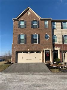 Photo of 1006 Pointe View Dr, MARS, PA 16046 (MLS # 1400158)