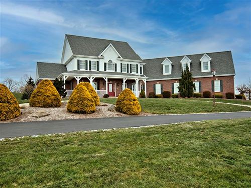 Photo of 305 Crisswell Rd, Penn Township - BUT, PA 16002 (MLS # 1487367)