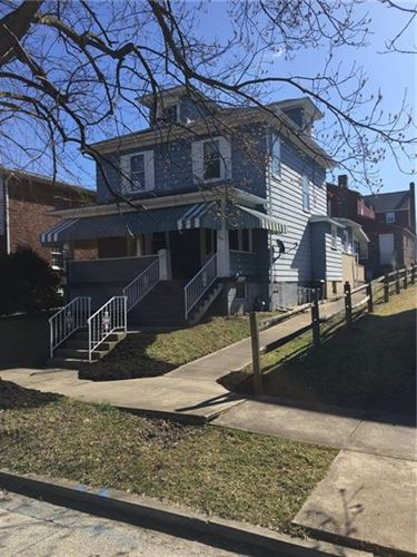 Photo of 606 MICHIGAN AVE, JEANNETTE, PA 15644 (MLS # 1386391)
