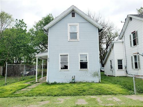 Photo of 227 N Yellow Springs Street, Springfield, OH 45504 (MLS # 1003079)