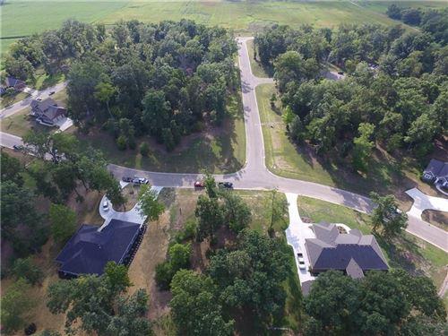 Photo of 5713 Timberidge Circle, Fairborn, OH 45324 (MLS # 430098)