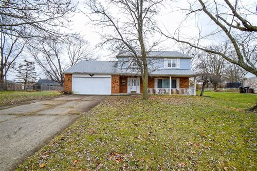 Photo of 7108 Cranlyn Drive, Englewood, OH 45322 (MLS # 1000190)