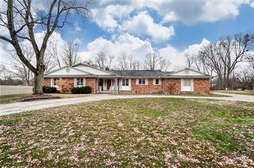 Photo of 1521 Beck Drive, Sidney, OH 45365 (MLS # 1000207)