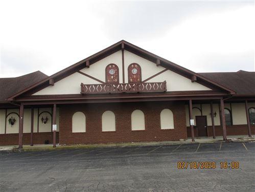 Photo of 301 Kienle Drive, Piqua, OH 45356 (MLS # 1001303)