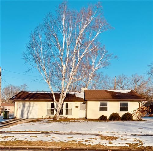 Photo of 1106 Colonial Drive, Sidney, OH 45365 (MLS # 1000352)