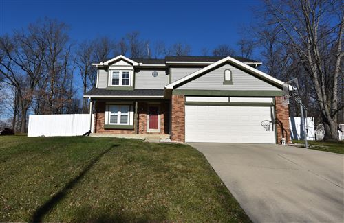 Photo of 417 Kelly Way, Bellefontaine, OH 43311 (MLS # 1007420)