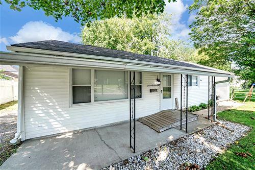 Photo of 213 E Auburn Avenue #REAR, Bellefontaine, OH 43311 (MLS # 1013449)