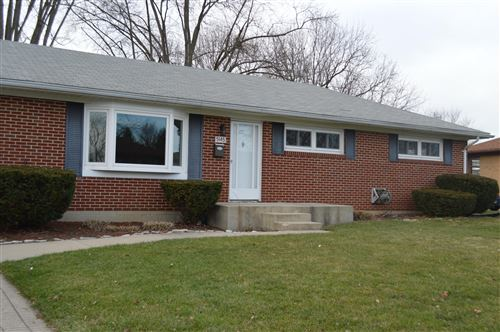Photo of 5145 W Ridgewood Road, Springfield, OH 45503 (MLS # 1007618)