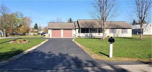 Photo of 912 W Auburn Avenue, Bellefontaine, OH 43311 (MLS # 1007648)