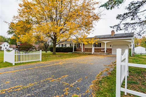 Photo of 5720 Springfield Xenia Road, Springfield, OH 45502 (MLS # 1006860)
