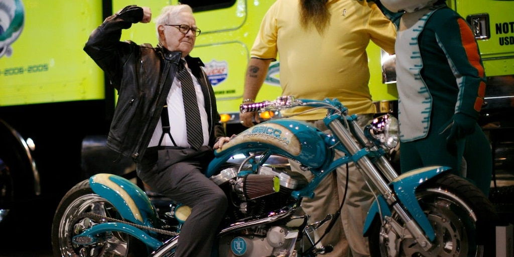 Warren Buffett loaned $300 million to Harley Davidson during financial crisis