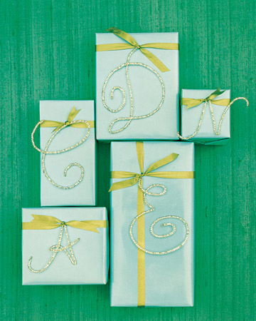 Twelve days of christmas gift wrap totally inspiring for Martha stewart gift tag template