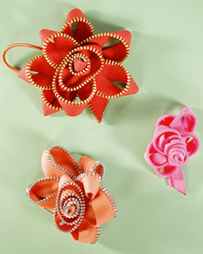tutorial: fancy flowers from recycled junk (1/4)