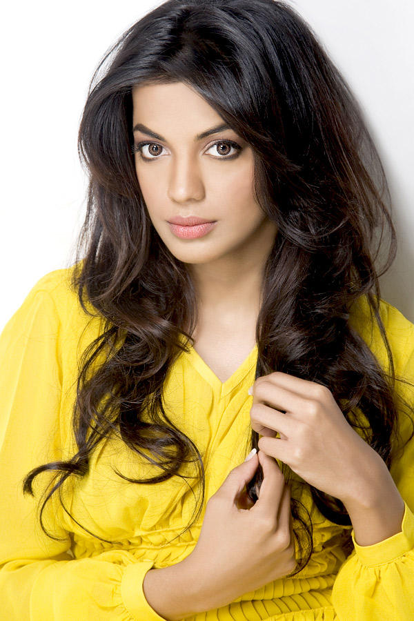 Mugdha Godse Attractive Beauty face Still