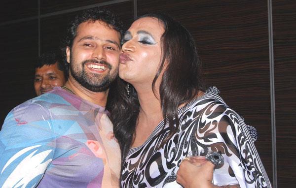 Lakshmi Kissing Mudasir Ali at Los Angeles Movie Awards 2012