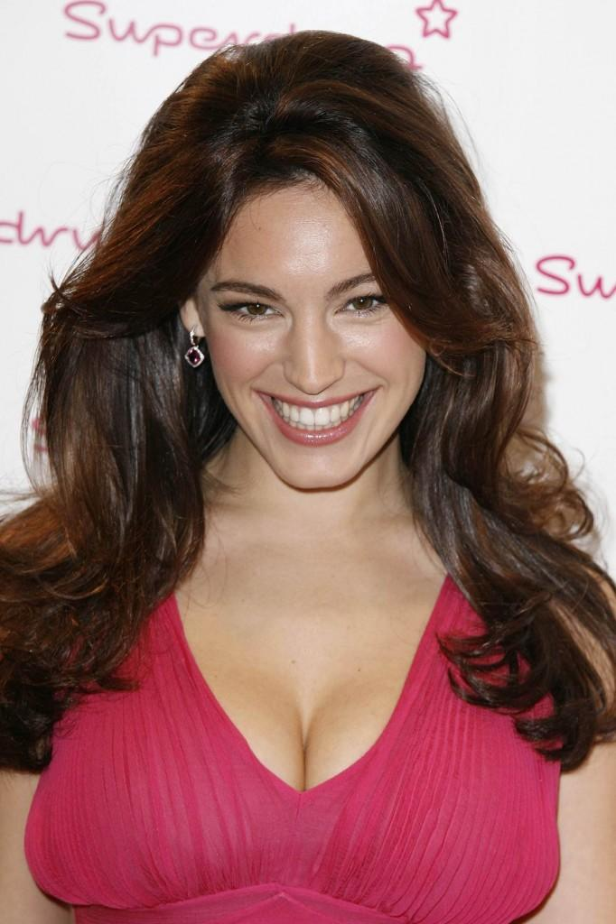 Kelly Brook Smiling Face Look Still