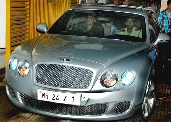 Ritesh Deshmukh In Car at Special Screening of Bol Bachchan