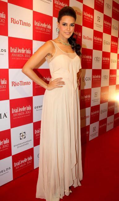 Neha Dhupia On Red Carpet at Retail Jeweller India Awards 2012