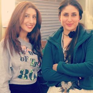 Kareena Kapoor Sweet Smile Pic On The Sets Of Talaash