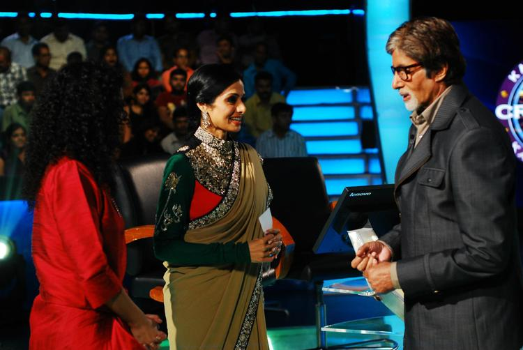 Amitabh,Sridevi and Gauri On The Sets Of KBC 6