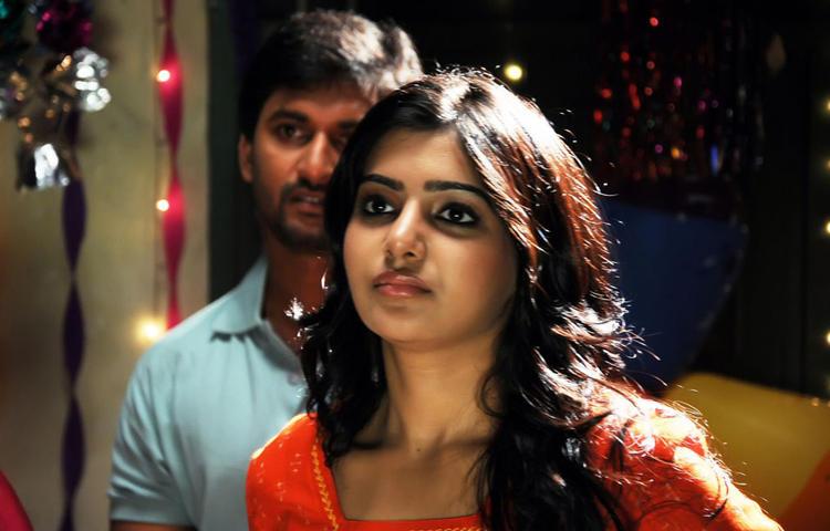 Naveen And Samantha Sizzling And Attractive Photo From Yeto Vellipoyindi Manasu Movie