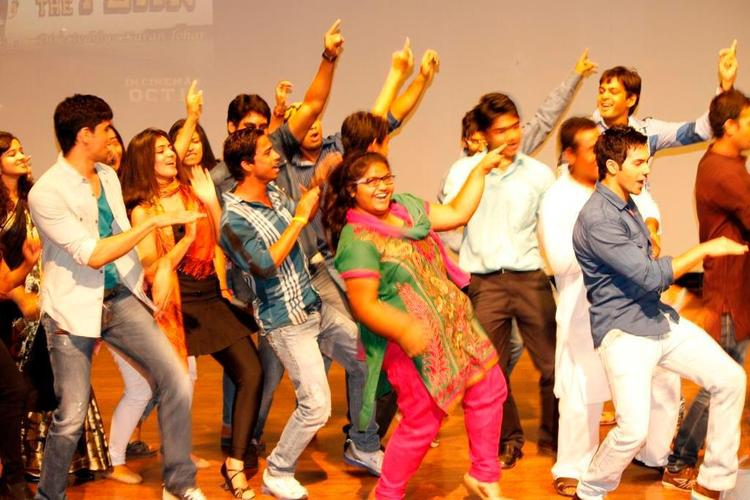 Casts Promote SOTY at Indira College Pune