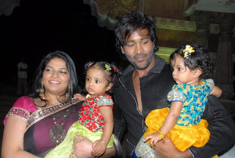 Vishnu Manchu and Viranica With Their Twin Daughters at Denikaina Ready Movie Logo Launch