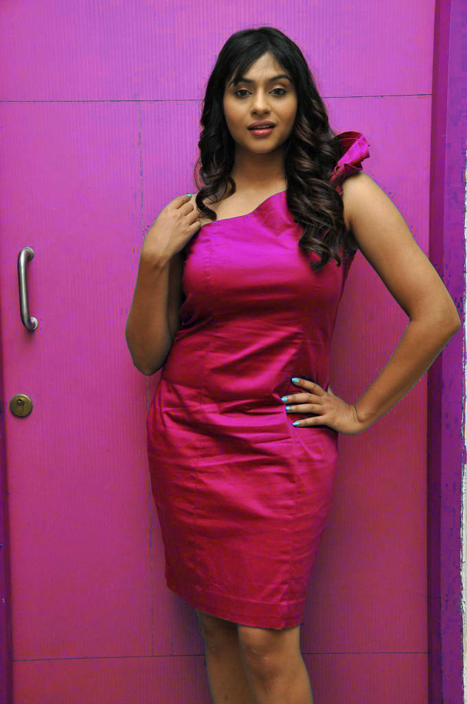Lakshmi Nair Hot Pic In Sleeveless Dress