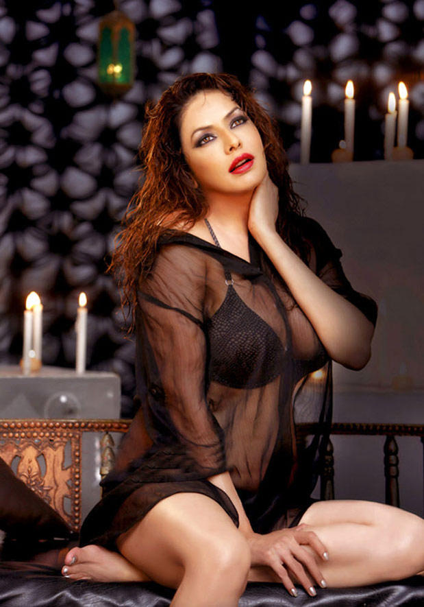 Indian Glamour Babe Poonam Jhawer Hot Photo Shoot