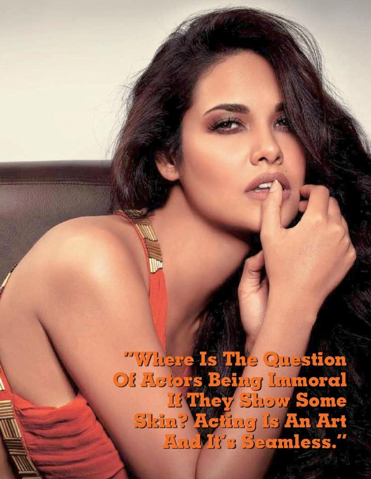 Esha Gupta Glamour And Spicy Photo Shoot For Stardust October 2012