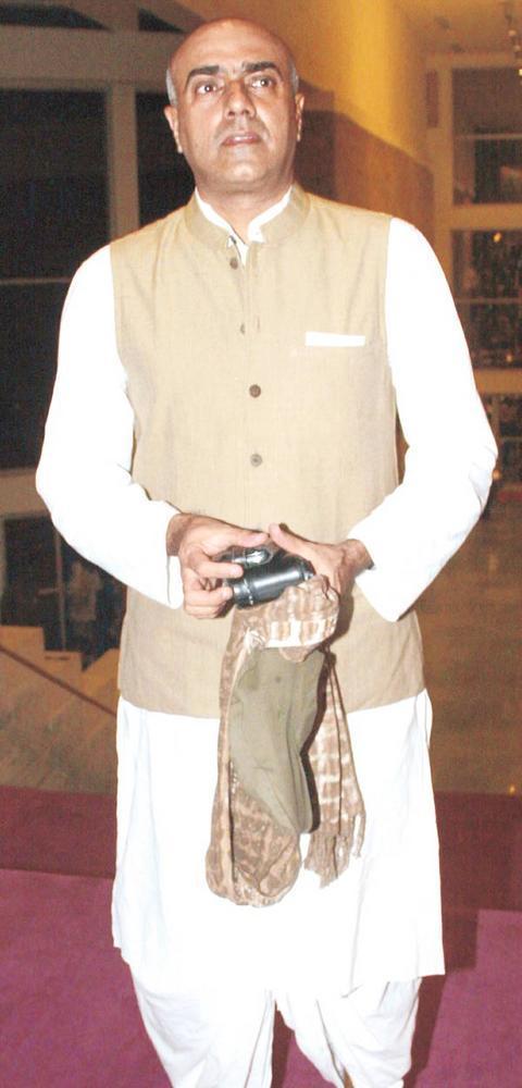Rajit Kapur Walks In Towards The Theatre