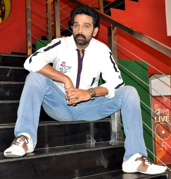 JD Chakravarthy Poses During The Promotion Of Bhoot Returns