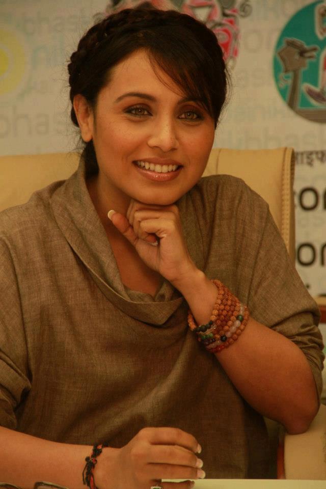 Rani Mukherjee Sizzling Look Pose At Dainik Bhaskar Office