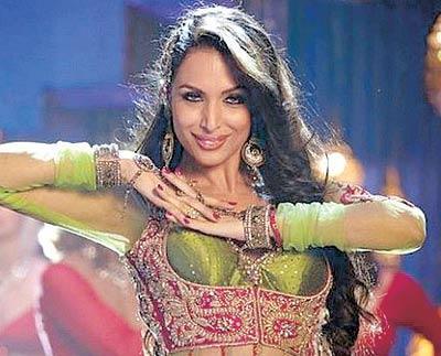 Sexy Malaika Arora Khan Dancing Anarkali Disco Chali From Housefull 2